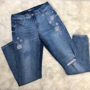 Old Navy Rockstar Embroidered Super Skinny Jeans 6